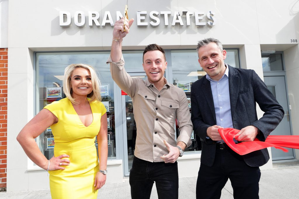 Bridget-Anne Doran, Nathan Carter & Alan Brogan cutting the ribbon at 308 Kimmage Road Lower, Dublin 6W